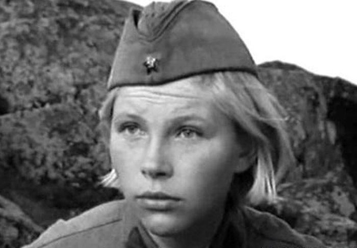 Елена Драпеко в роли Лизы Бричкиной   Фото: kino-teatr.ru