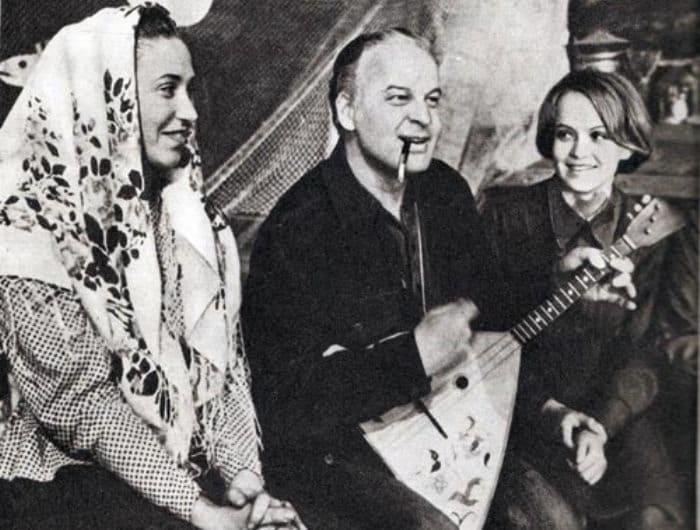 Режиссер Станислав Ростоцкий и актриса Ирина Шевчук (справа)   Фото: eg.ru