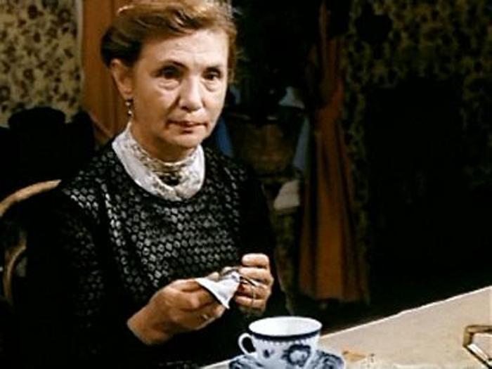 Джемма Осмоловская в фильме *Посвящение в любовь*, 1994 | Фото: kino-teatr.ru