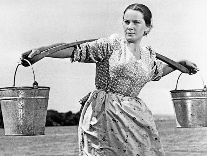 Элина Быстрицкая в роли Аксиньи в фильме *Тихий Дон*, 1957 | Фото: kino-teatr.ru