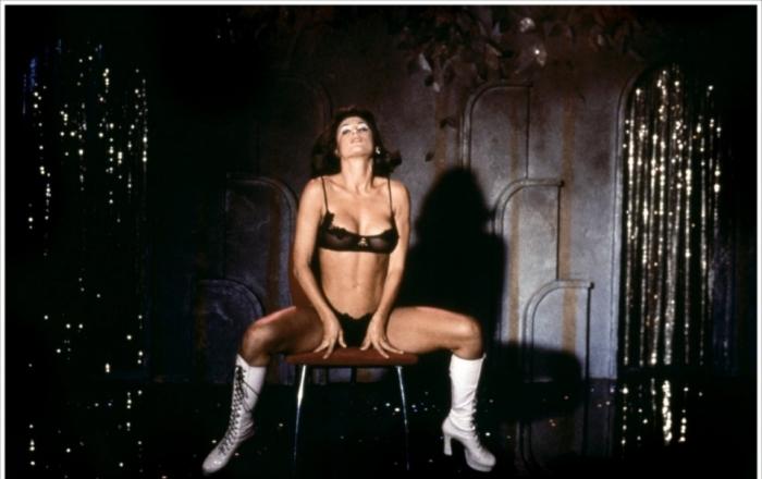 golie-striptis-video