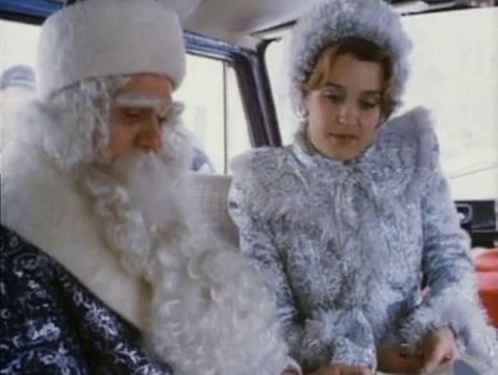 Владимир Меньшов и Ирина Алферова в фильме *Снегурочку вызывали?*, 1985 | Фото: vokrug.tv
