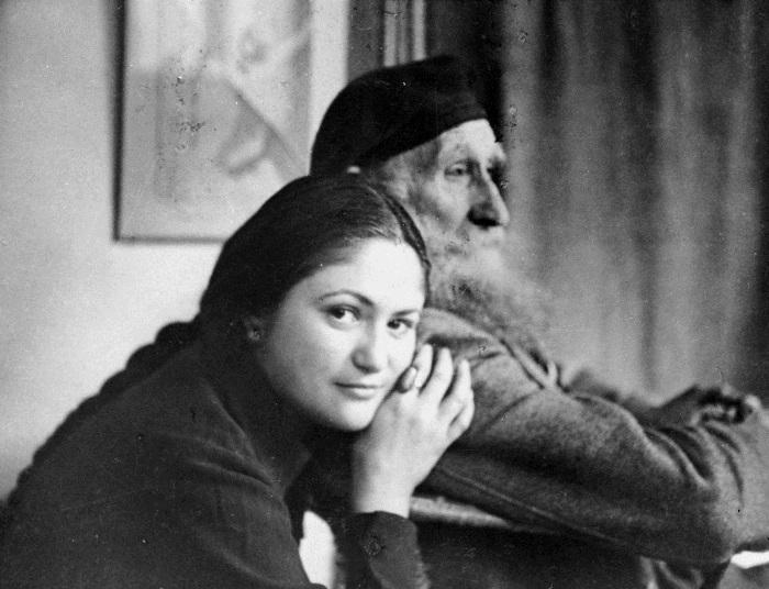 Натурщица Дина Верни и скульптор Аристид Майоль   Фото: liveinternet.ru