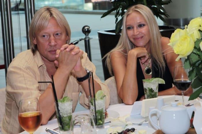 Дмитрий Харатьян с женой Мариной Майко | Фото: aif.ru