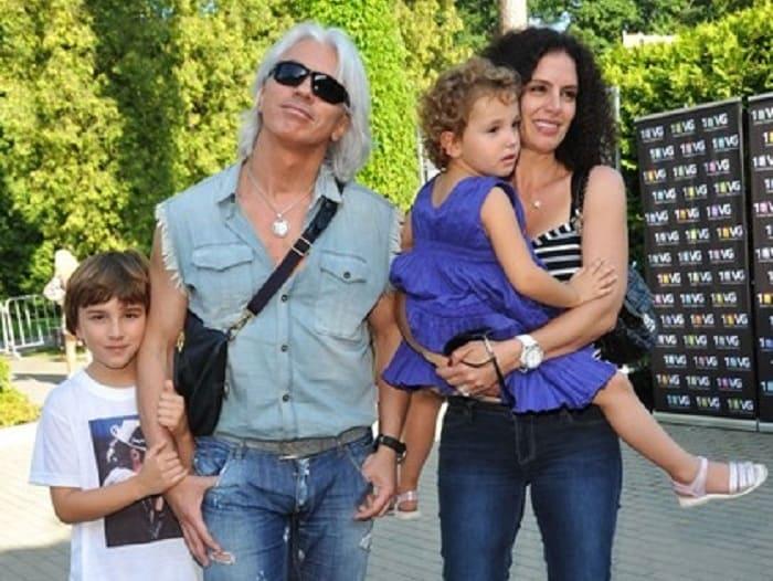 Артист со второй женой и детьми | Фото: boom.ms