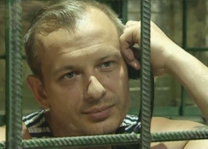 Дмитрий Марьянов в сериале *Боец*, 2004 | Фото: kino-teatr.ru