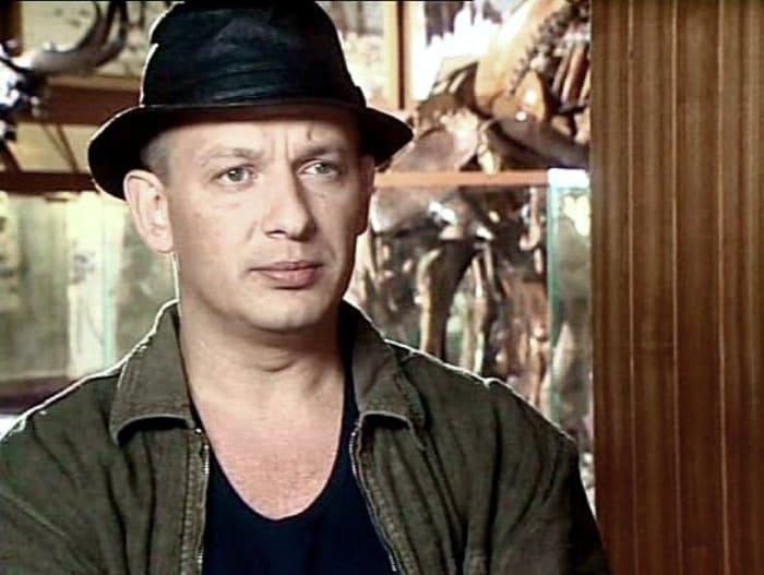 Дмитрий Марьянов в сериале *Охота на гения*, 2006 | Фото: kino-teatr.ru