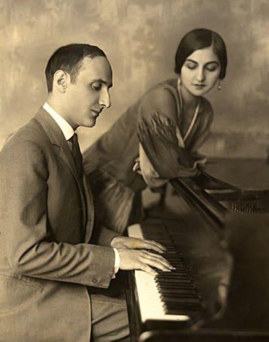 Композитор с женой, Альбертиной Раш | Фото: jewish.ru