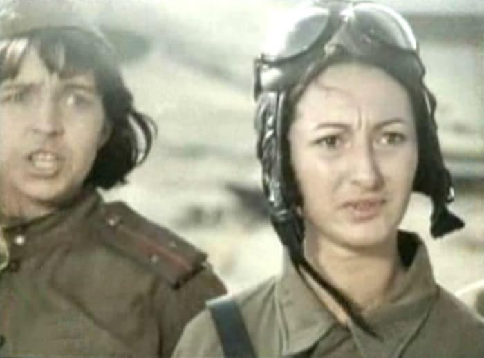 Кадр из фильма *В небе *Ночные ведьмы*, 1981 | Фото: kino-teatr.ru