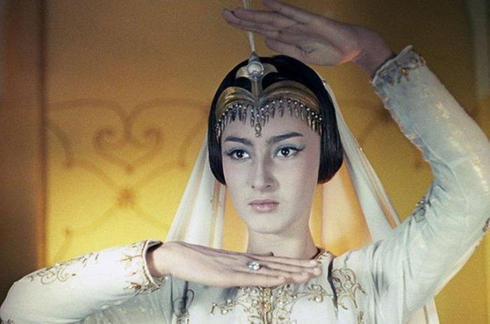 Додо Чоговадзе в роли царевны Будур | Фото: nastroy.net