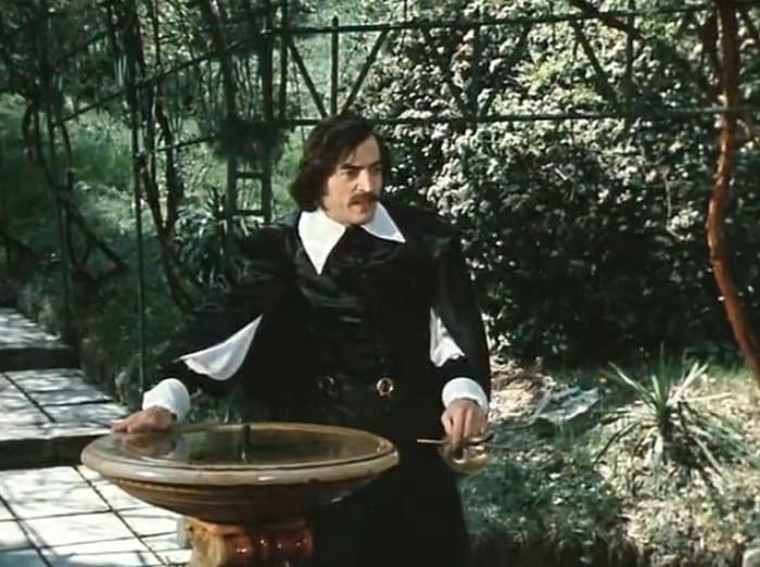 Михаил Боярский в фильме *Собака на сене*, 1977   Фото: kino-teatr.ru