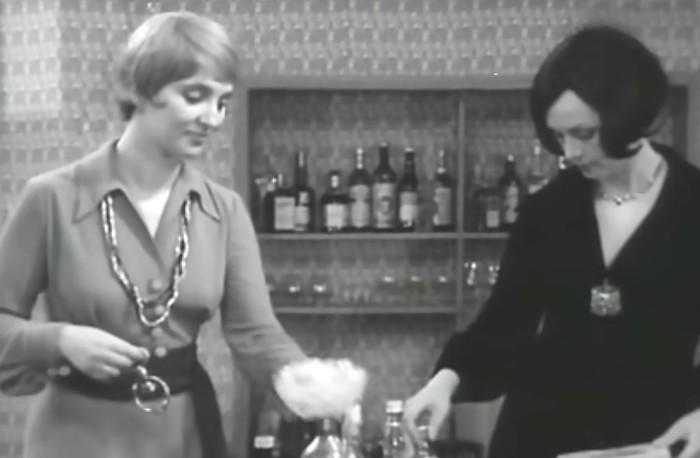 То самое платье в фильме *Опасный поворот*, 1972   Фото: culture.ru