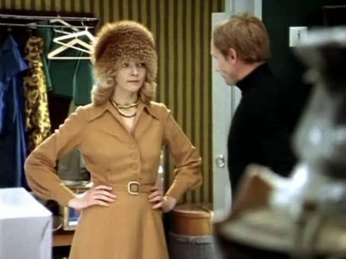 Кадр из фильма *Служебный роман*, 1977   Фото: april-knows.ru