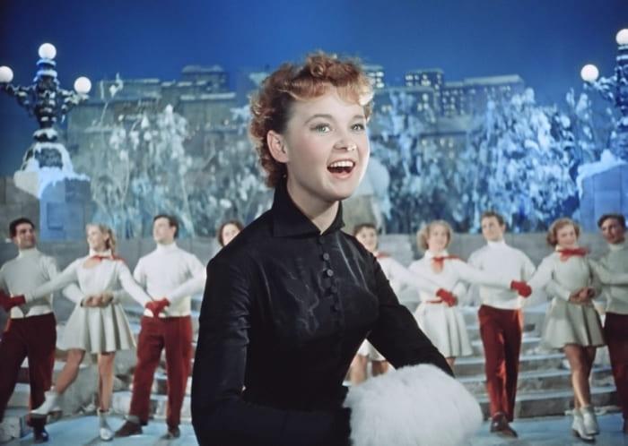 Людмила Гурченко в фильме *Карнавальная ночь*, 1956   Фото: april-knows.ru