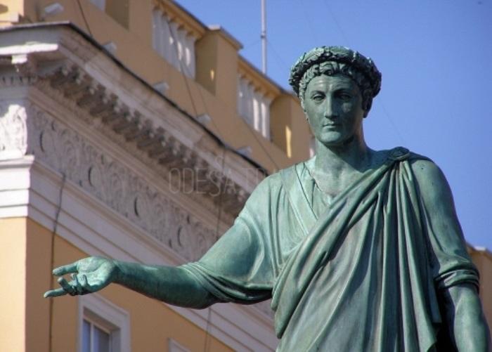 Памятник Дюку де Ришелье, спасшему город от чумы | Фото: odessa.travel