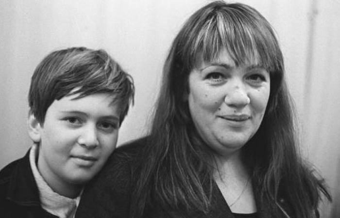 Галина Волчек с сыном Денисом | Фото: 2aktera.ru