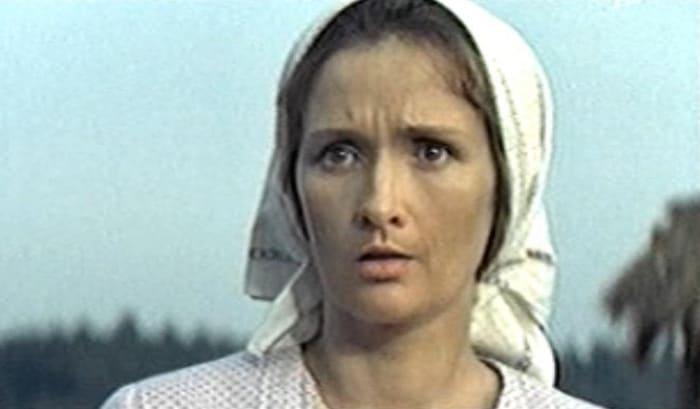 Зинаида Кириенко в фильме *Любовь земная*, 1974 | Фото: kino-teatr.ru