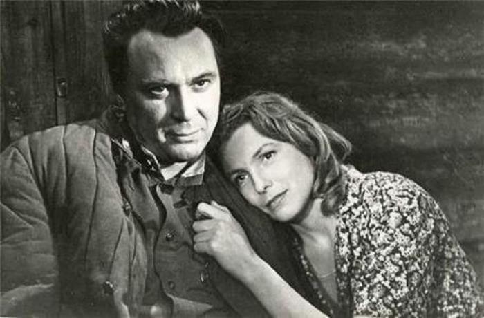 Вия Артмане и Евгений Матвеев в фильме *Родная кровь*, 1963   Фото: kino-teatr.ru