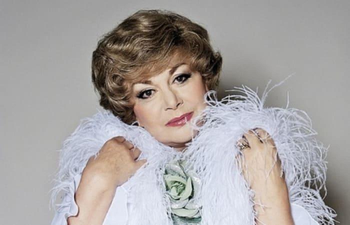 Легендарная советская и российская певица | Фото: peoples.ru