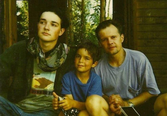 Егор Бероев с братом и отчимом | Фото: wday.ru