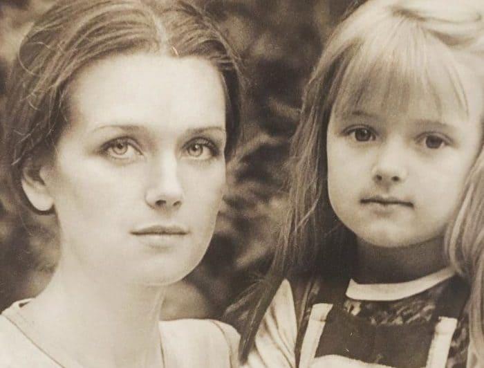 Ксения с матерью, Ириной Алферовой | Фото: rustars.tv