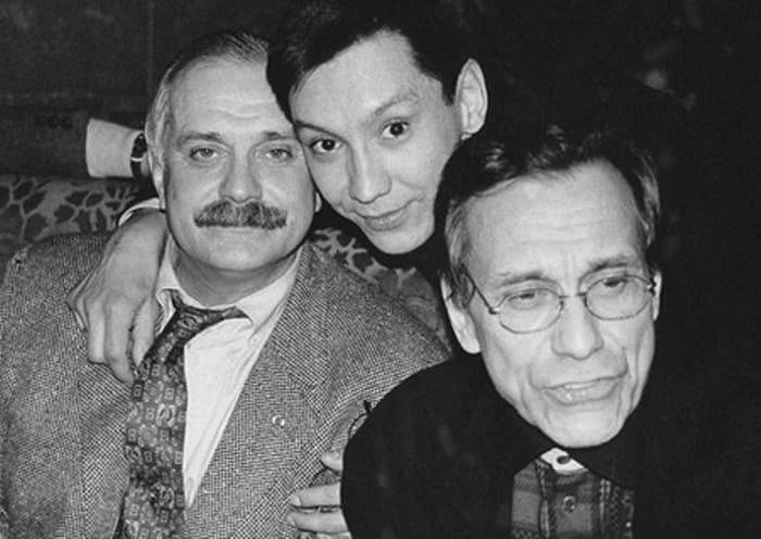 Егор Кончаловский с отцом и дядей | Фото: book-face.ru
