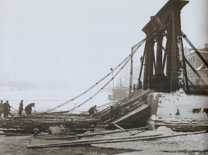 Обрушение Египетского моста, 1905 | Фото: offbeatpiter.ru