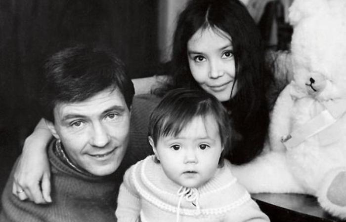 Екатерина Двигубская с родителями   Фото: 2aktera.ru
