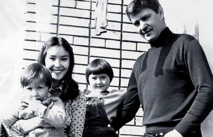 Екатерина Двигубская с родителями и братом | Фото: 2aktera.ru