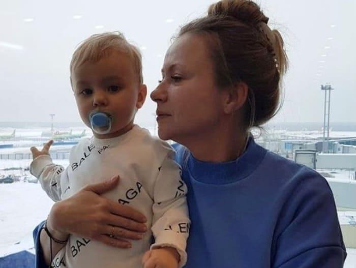 Актриса с младшим сыном Федором | Фото: vokrug.tv