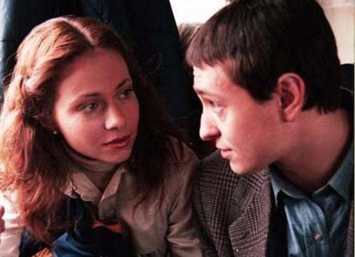 Сергей Безруков и Екатерина Гусева в сериале *Бригада*, 2002 | Фото: persona.rin.ru
