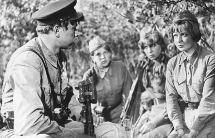 Кадр из фильма *А зори здесь тихие*, 1972 | Фото: stuki-druki.com