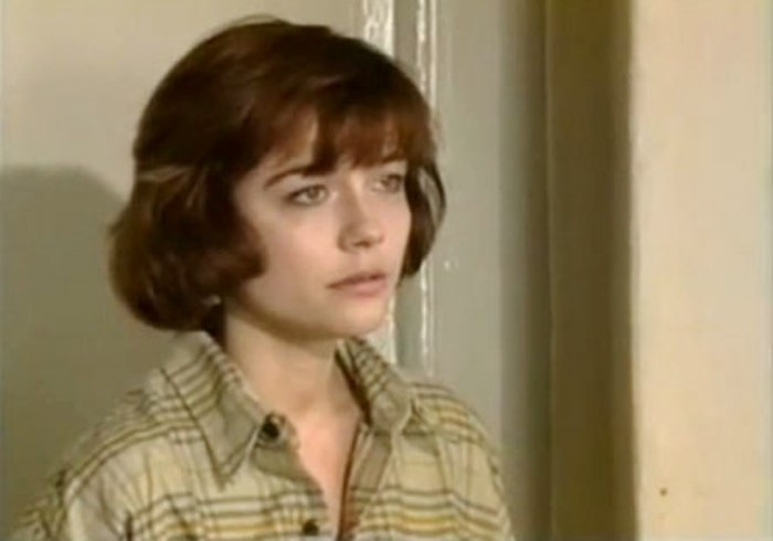 Екатерина Семенова в сериале *Горячев и другие*, 1994 | Фото: kino-teatr.ru