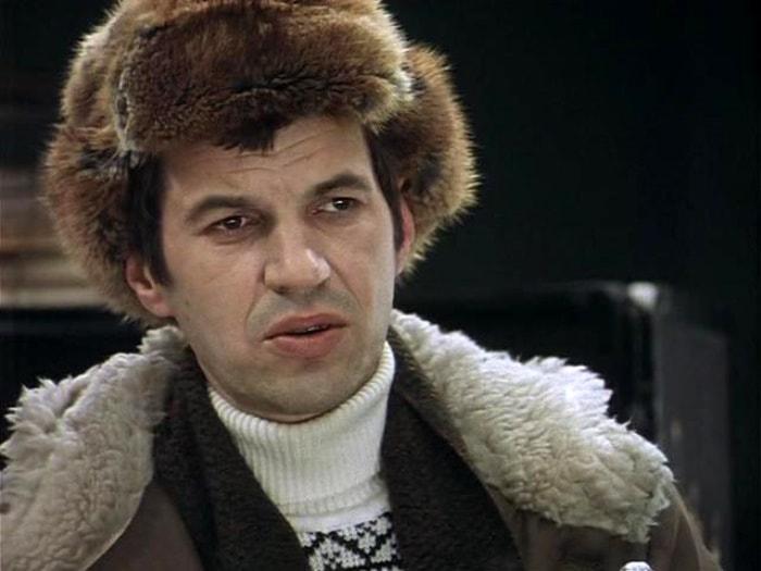 Георгий Бурков в фильме *Ирония судьбы, или С легким паром!*, 1975 | Фото: kino-teatr.ru