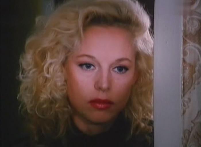 Елена Кондулайнен в фильме *Шоу для одинокого мужчины*, 1994 | Фото: kino-teatr.ru
