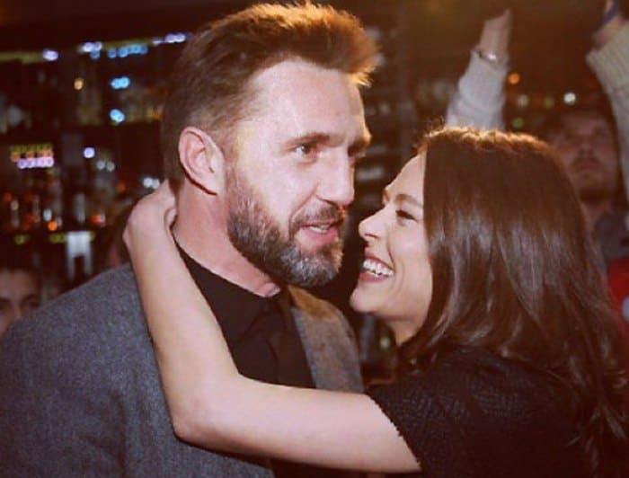 Актеры, которых называют одной из самых красивых пар в кадре и за кадром   Фото: tele.ru