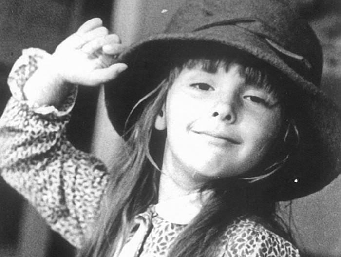 Елена Панова в детстве   Фото: kp.ru