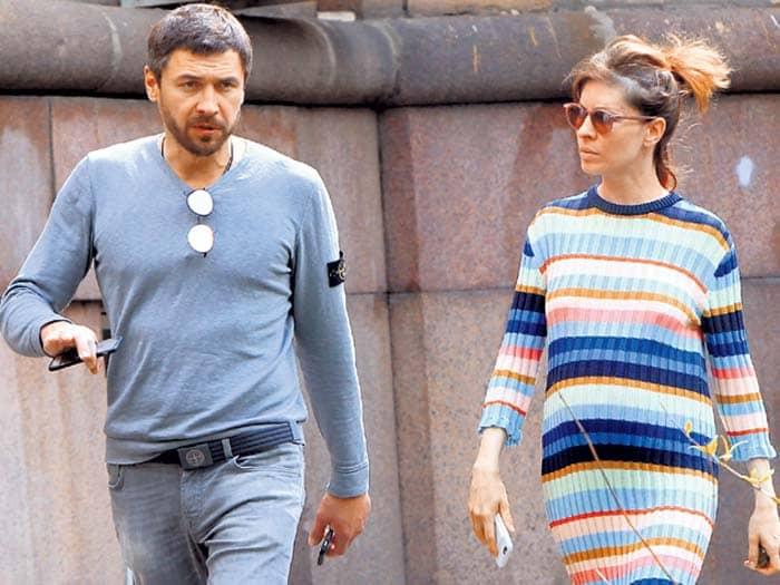 Актриса и ее второй муж Денис Гущин | Фото: stuki-druki.com