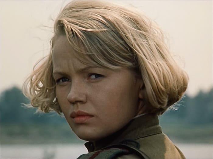Кадр из фильма *Батальоны просят огня*, 1985 | Фото: mirtesen.ru