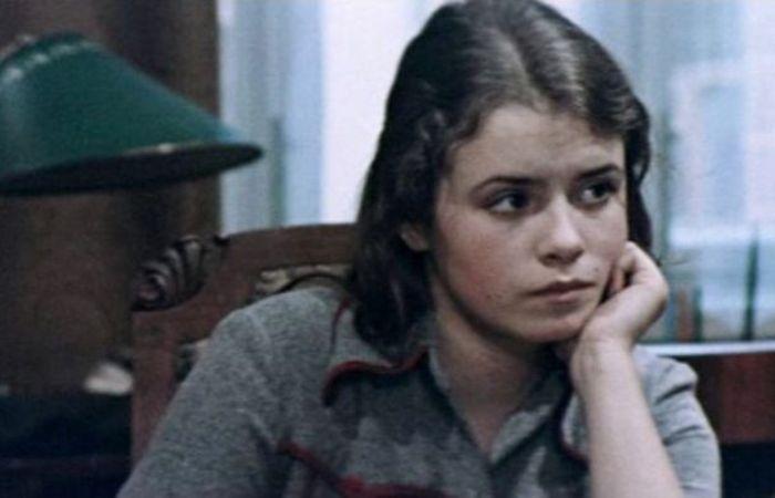 Елена Цыплакова в фильме *Школьный вальс*, 1977 | Фото: kino-teatr.ru