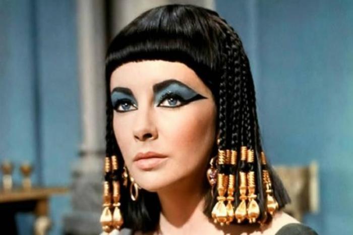 Элизабет Тейлор в роли Клеопатры, 1963 | Фото: joinfo.ua