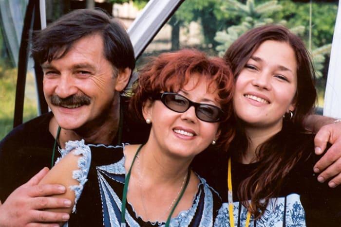 Александр Тиханович и Ядвига Поплавская с дочерью | Фото: 24smi.org