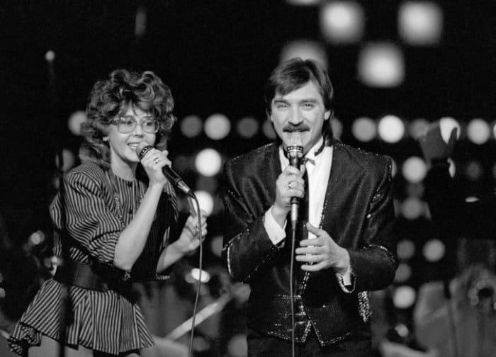 Ядвига Поплавская и Александр Тиханович на сцене, 1988 | Фото: m24.ru