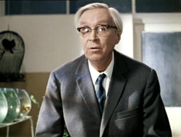 Эраст Гарин в фильме *Джентльмены удачи*, 1971   Фото: kino-teatr.ru