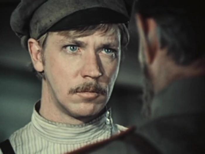 Николай Иванов в роли Ивана Савельева | Фото: kino-teatr.ru