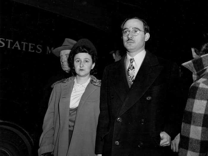 Этель и Юлиус Розенберги во время суда | Фото: regnum.ru