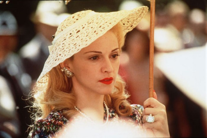 Мадонна в фильме *Эвита*, 1996 | Фото: ru.fanpop.com