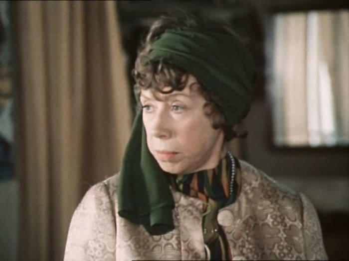 Евгения Ханаева в фильме *По семейным обстоятельствам*, 1977 | Фото: kino-teatr.ru