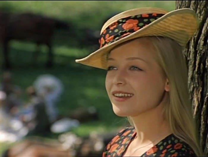 Евгения Ветлова в фильме *Соломенная шляпка*, 1975 | Фото: kino-teatr.ru