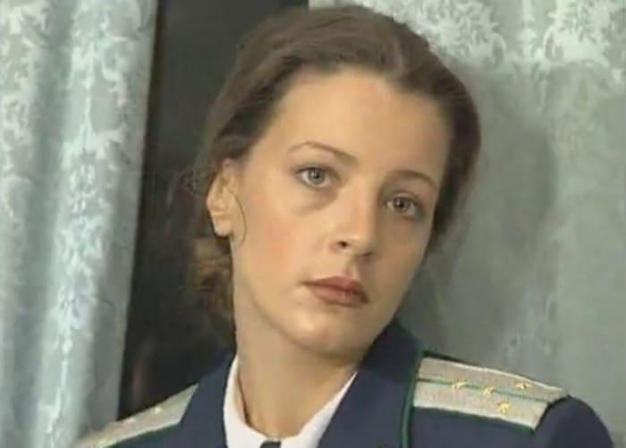 Евгения Крюкова в сериале *Бандитский Петербург*, 2000 | Фото: kino-teatr.ru